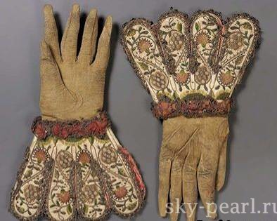 перчатки история