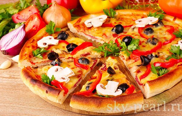 пицца с грибами и сыром