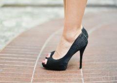 К чему снится примерять обувь