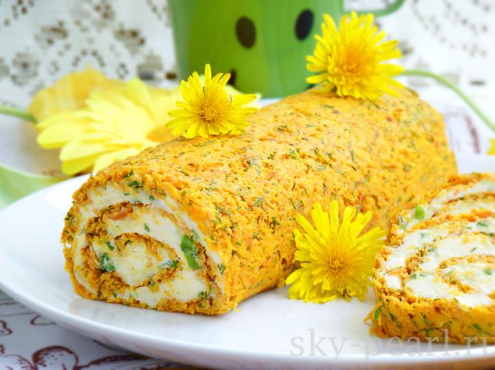 морковный рулет с сырно-яичной начинкой