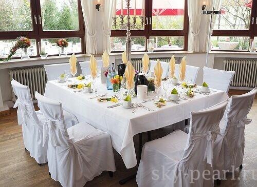 декор стульев для свадебного стола