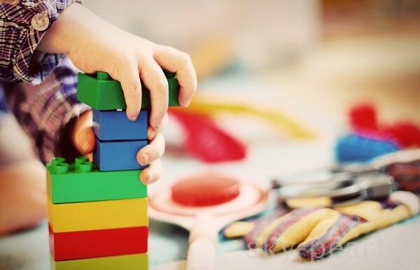 как выбрать игрушки для дошкольников